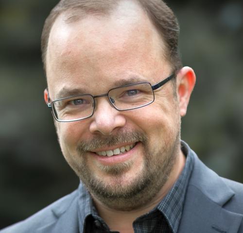 Dr.  Matthias Arlt